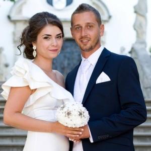 Luxusná svadobná kytica s brošňami